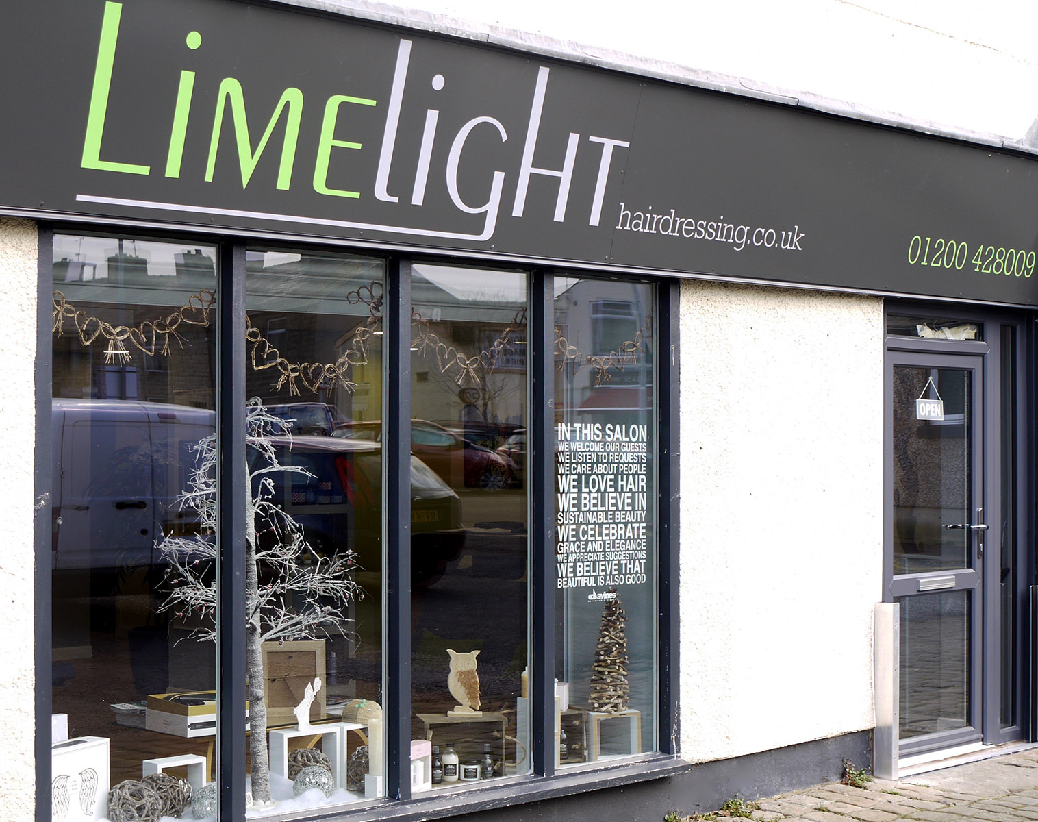 Fashion Valley Beauty Salon: Limelight Hairdressing Clitheroe